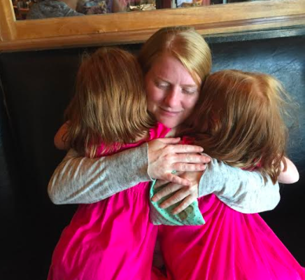 Heart-Tracy with her daughters
